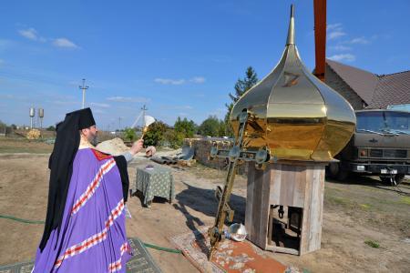 Освящение креста и купола в Никольском скиту Благовещенского женского монастыря