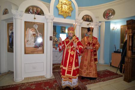 Митрополит Иоанн совершил Божественную Литургию в Благовещенском женском монастыре