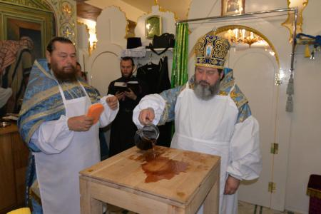 Митрополит Иоанн освятил придел и возглавил праздничное богослужение в Казанском храме  Чернобаевки